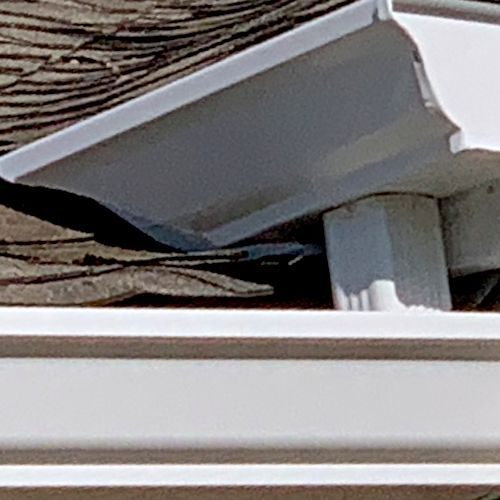 Valley roof miter