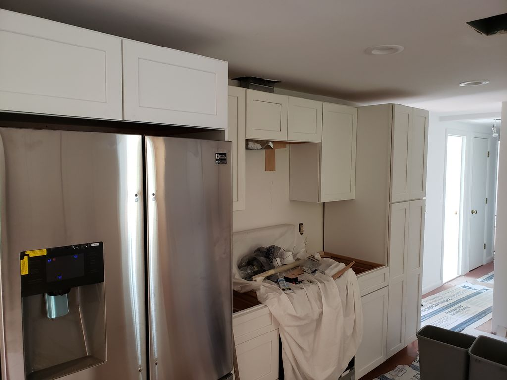 Kitchen cabinets Upper Only