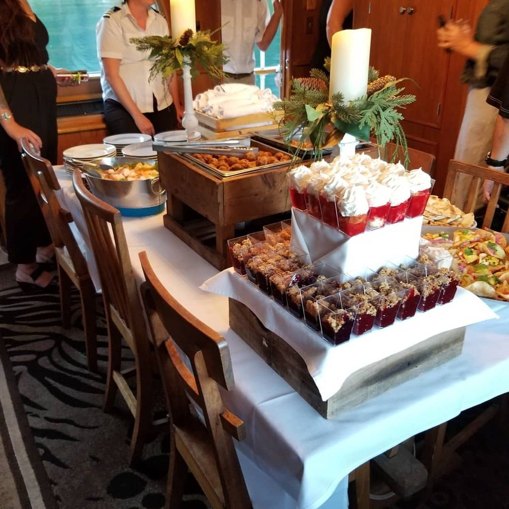 CoCoMoes Catering