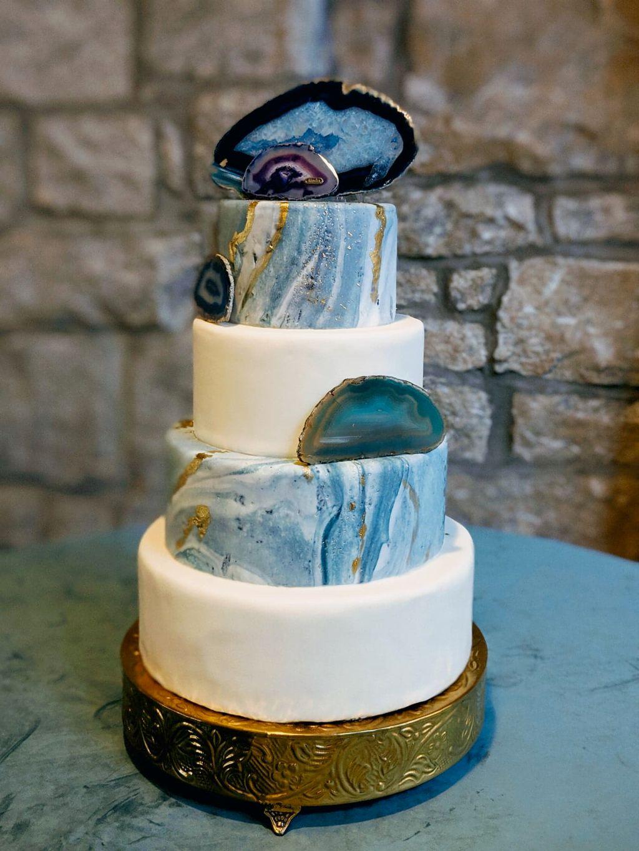 White and Marble Wedding Cake