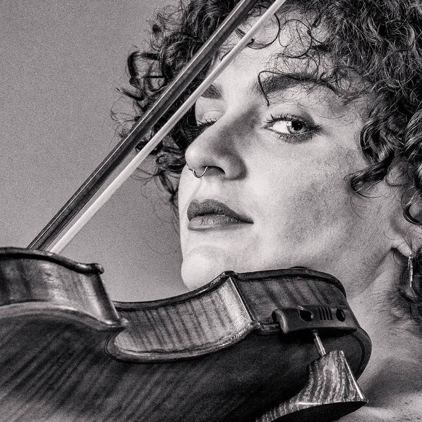 Alethia Espinal Violinist