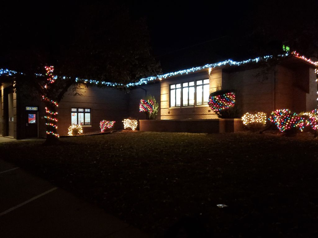 Holiday Lighting Installation and Removal - Bettendorf 2019