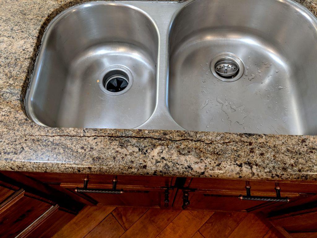 Granite countertop - Rodding failure
