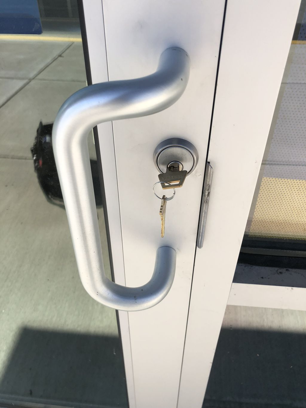 Commercial push paddle lock installation