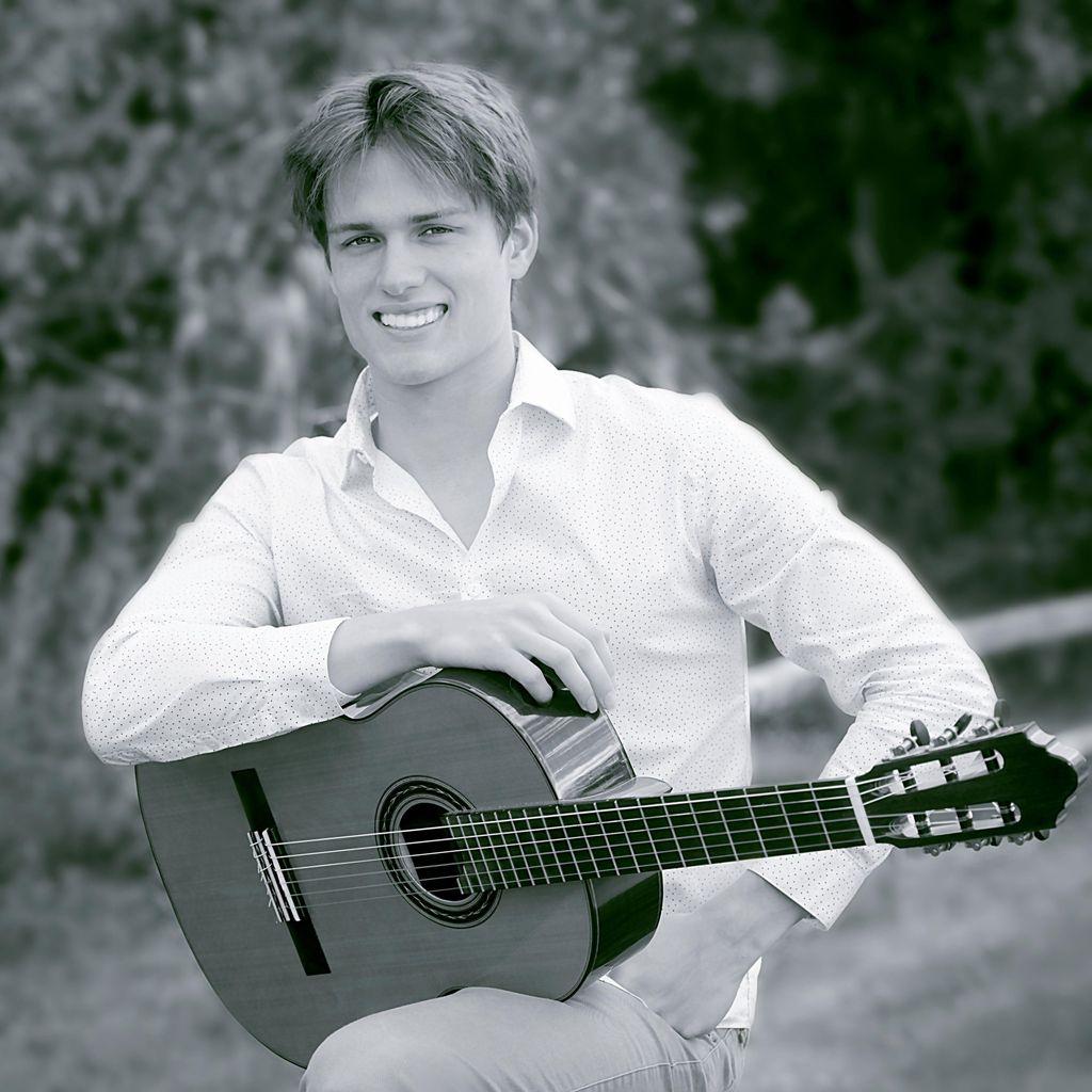 Denis Vasenin - Guitarist