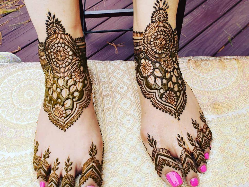 Henna Tattooing - Springfield 2019
