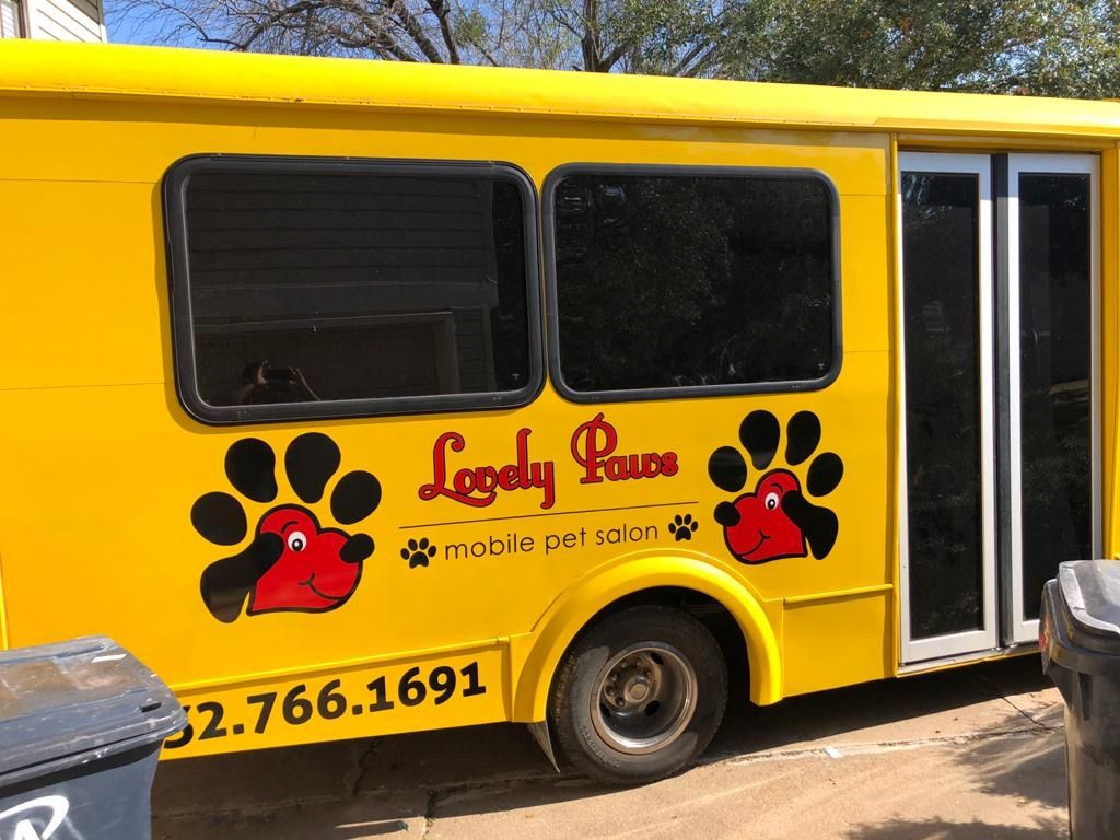 Lovely Paws Mobile pet salon