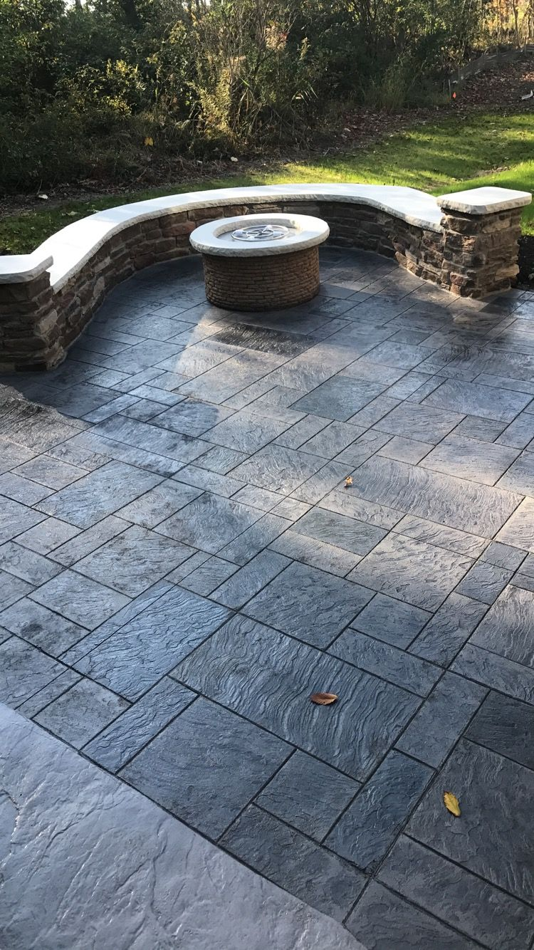 Royal ashlar stamp with seat wall and fire pit