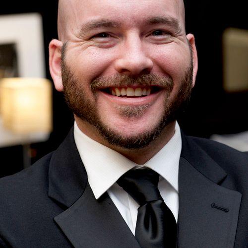 Tom Sitzler, voice and piano