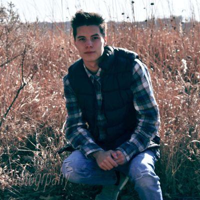 Avatar for W Photography Sioux City, IA Thumbtack