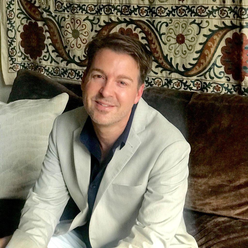 Andrew J Van Etten