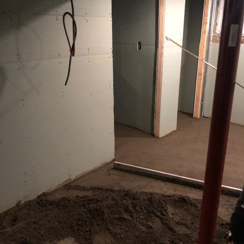 Floor leveling with cement