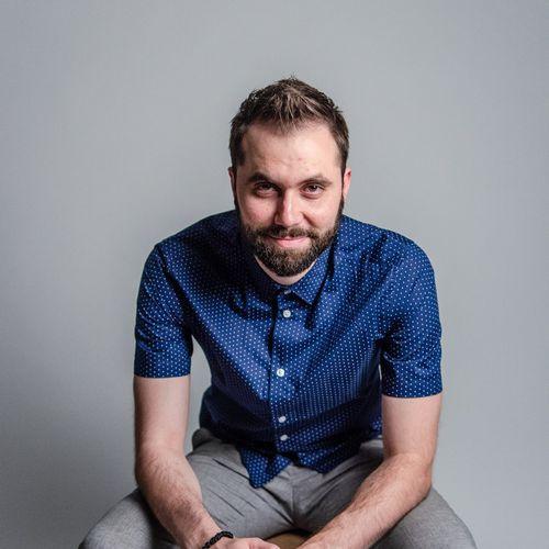 Alexander Paraschos, guitar, piano, voice, songwriting