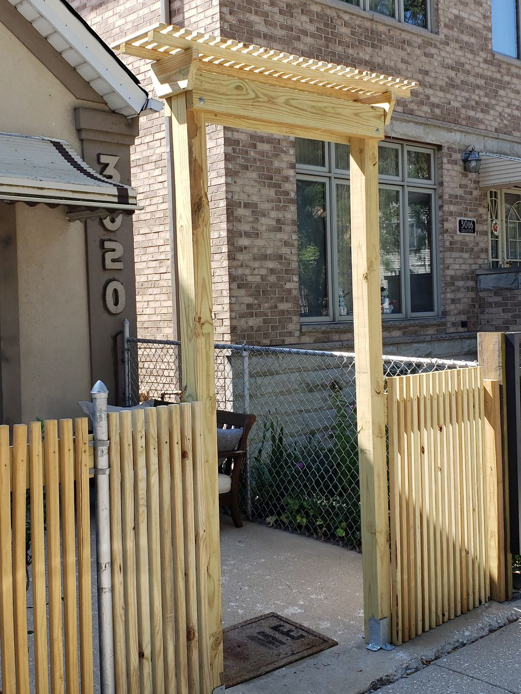 DIY chain-link replacement with gate