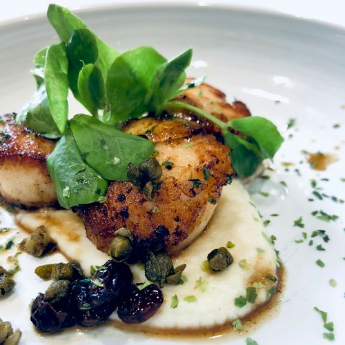 Upscale Dinner Options: Seared Scallops with Creamy Cauliflower Mash and Fried Capers