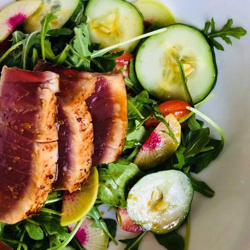 Fresh is Best! Seared Tuna on Arugula Greens and Asian Sesame Vinaigrette