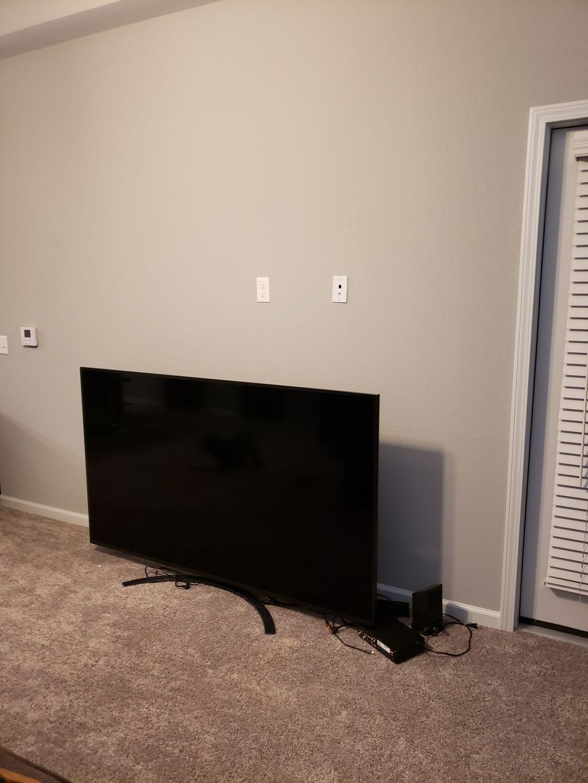 Entertainment Center & TV Mounting