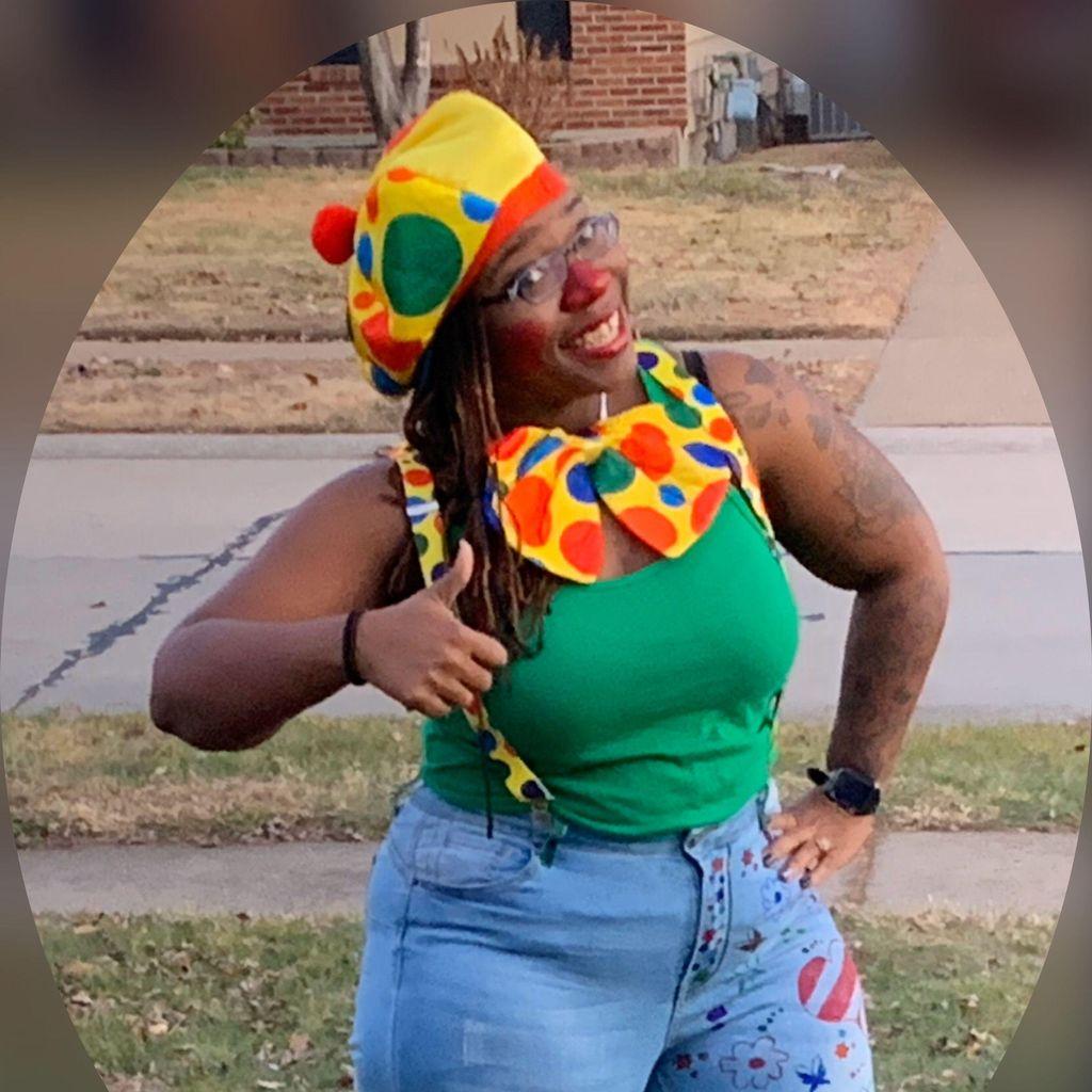 Clown-na-round with Quita