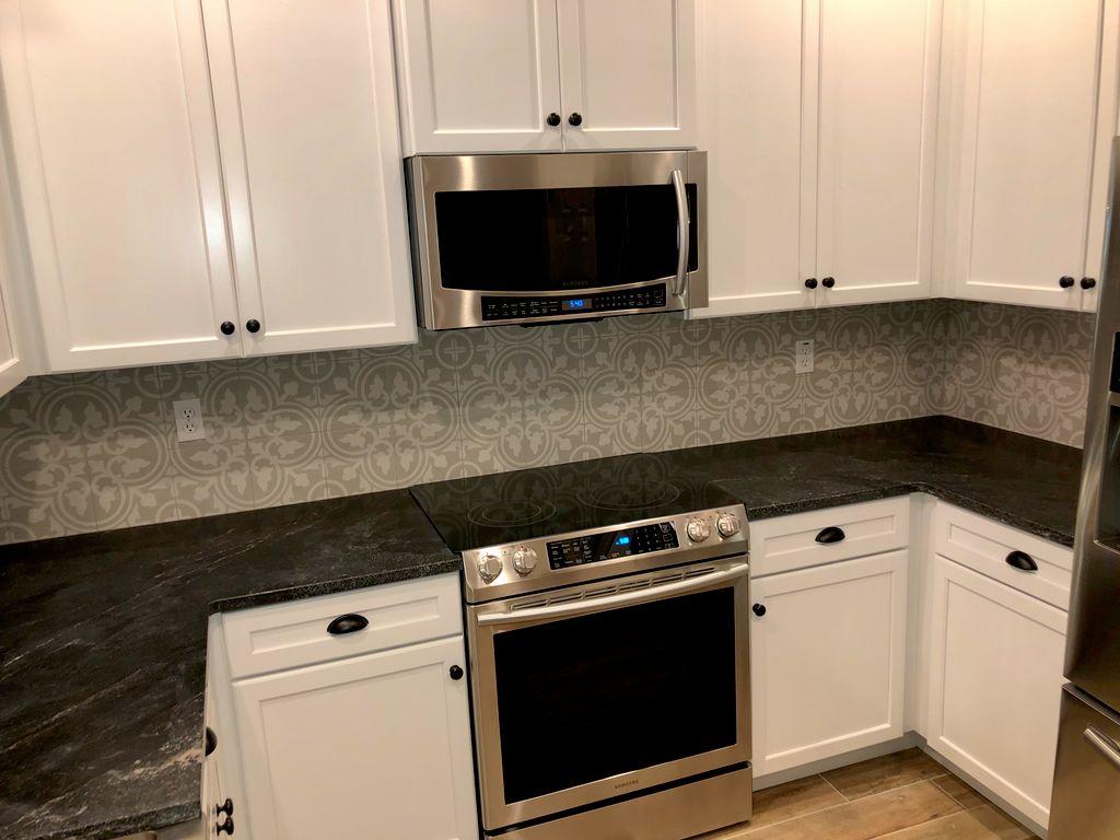 New Kitchen Backsplash - Palm Coast 2020