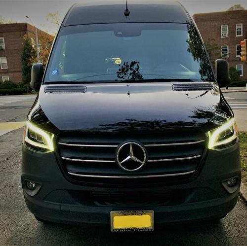 Mercedes Luxury Sprinter - 14 Passengers