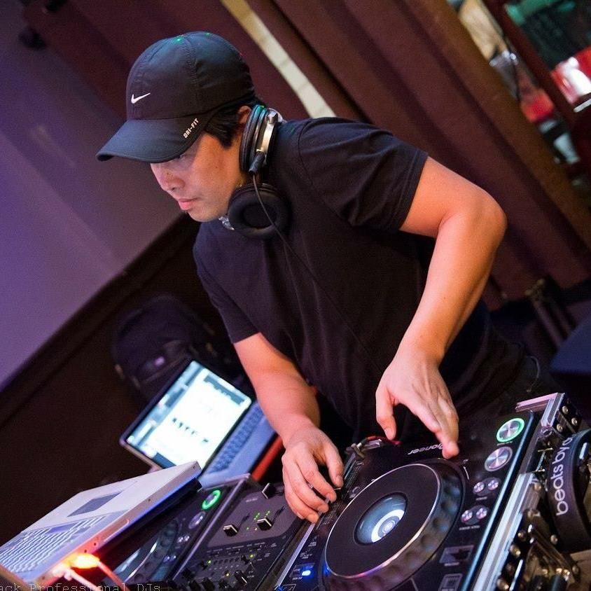🔴Tom (DJ Atomix) Weddings & Events