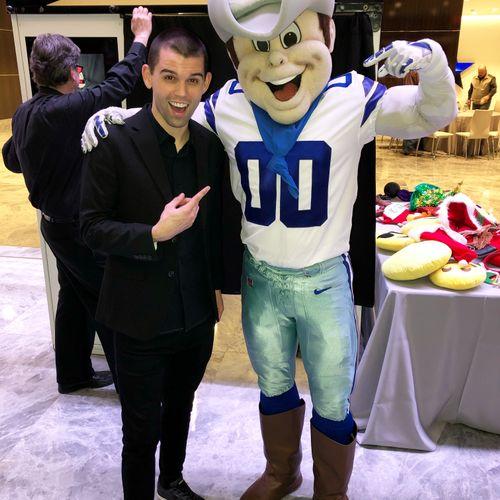 Walk-around magic at the Dallas Cowboys HQ