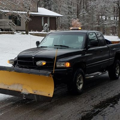 Avatar for Fast Trak Lawns, and Allegheny leaf pickup Hudson, OH Thumbtack