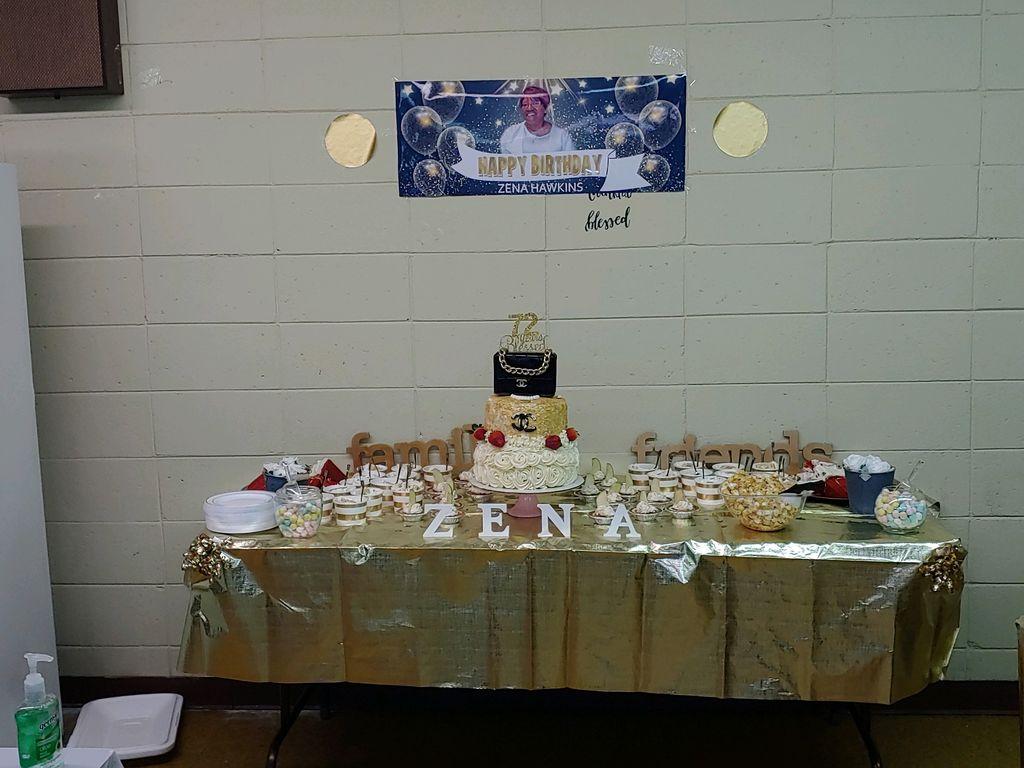 My grandmother birthday cake table