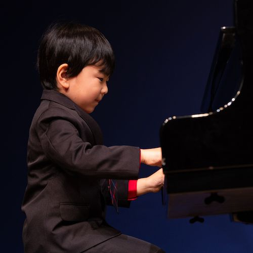 Our youngest student, 4years old - Playing Beethoven's 9th Symphony