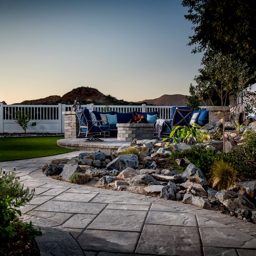 Outdoor Living - Pavers, Fire Pit