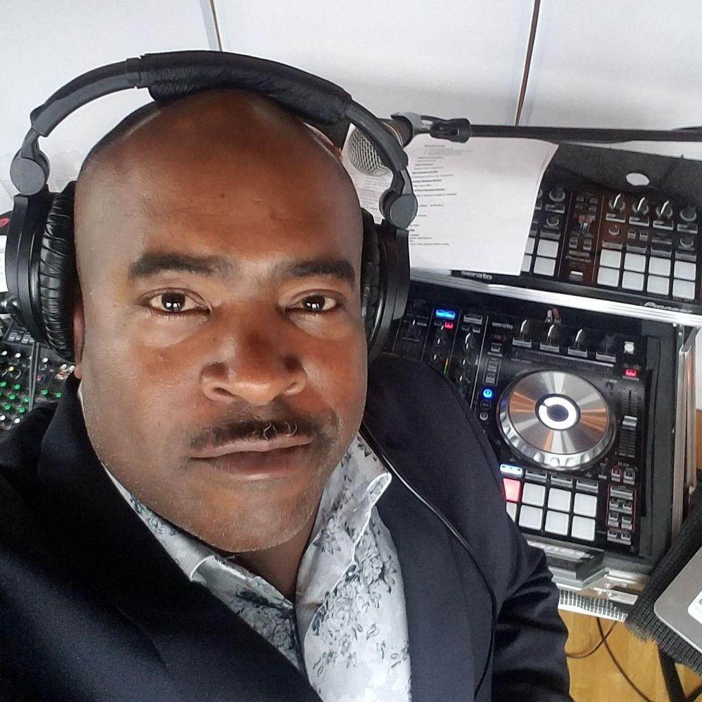 DJ PHIL-THE-BEAT