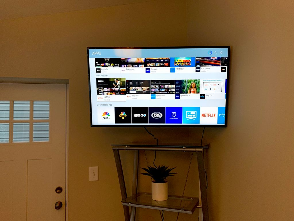 TV Mounting - Franklin, Michigan  2020
