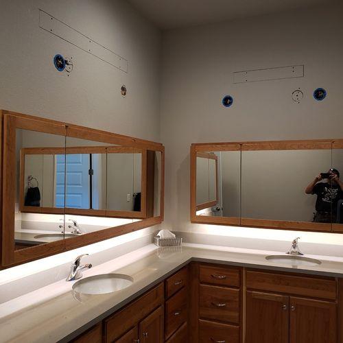 under cabinet vanity lights
