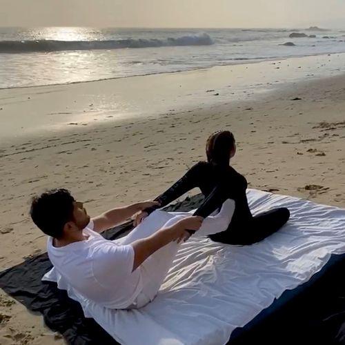 Jose - Performing Zen Thai Massage stretch