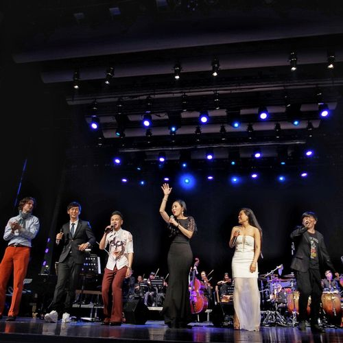 Teresa performing with the Shanghai Symphony Orchestra at the Shanghai Music Hall