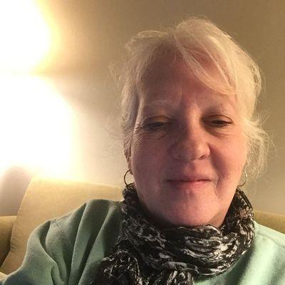 Avatar for Readings with Ellen Salem, MA Thumbtack