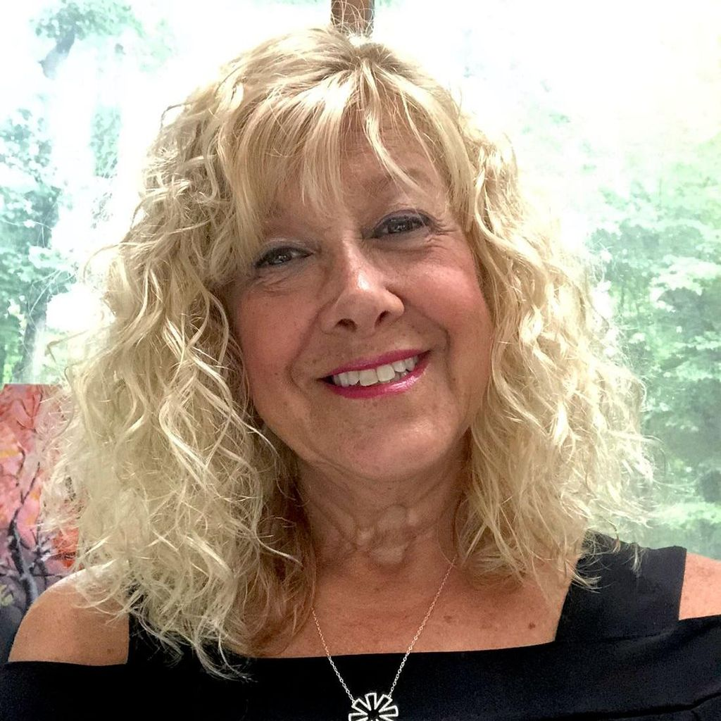 Faye Rose -Yoga & Pilates Reformer