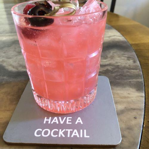 gin, raspberry, lemon, sparkling wine