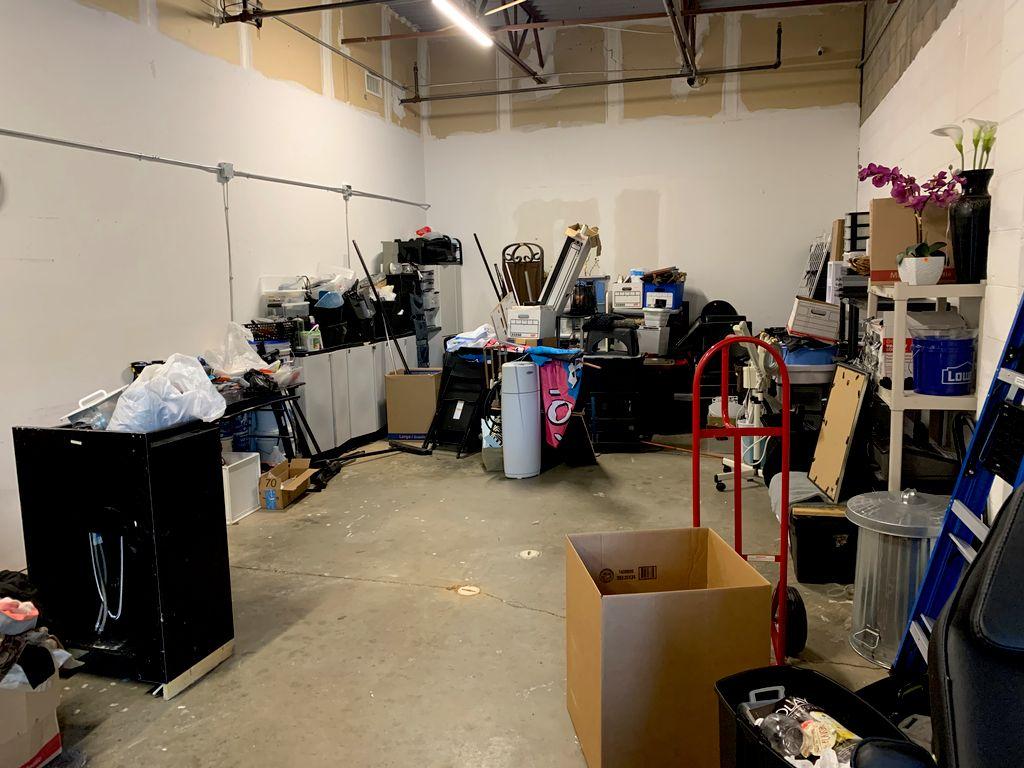 Salon Stockroom