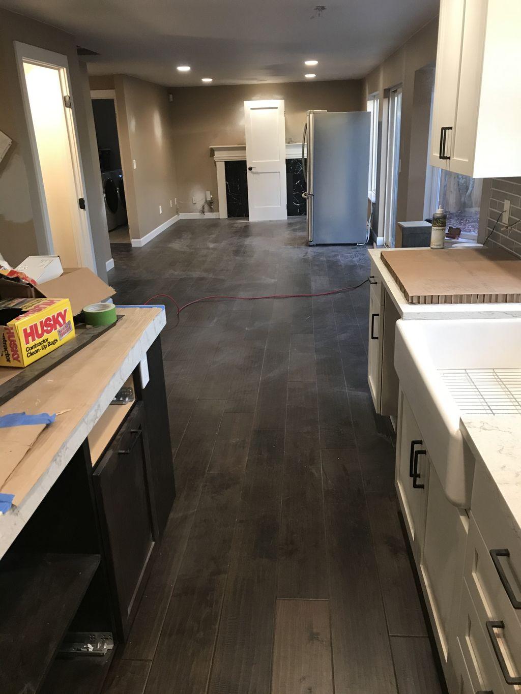 Glue down engineer flooring