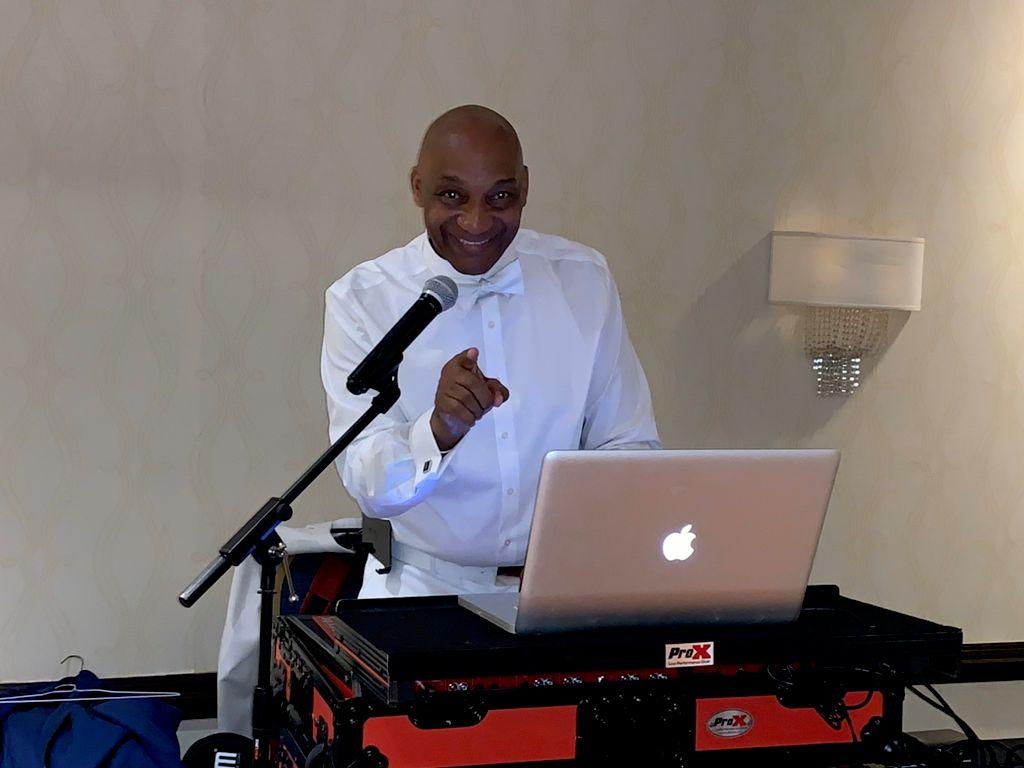DJ Kommitted Disc Jockey Services