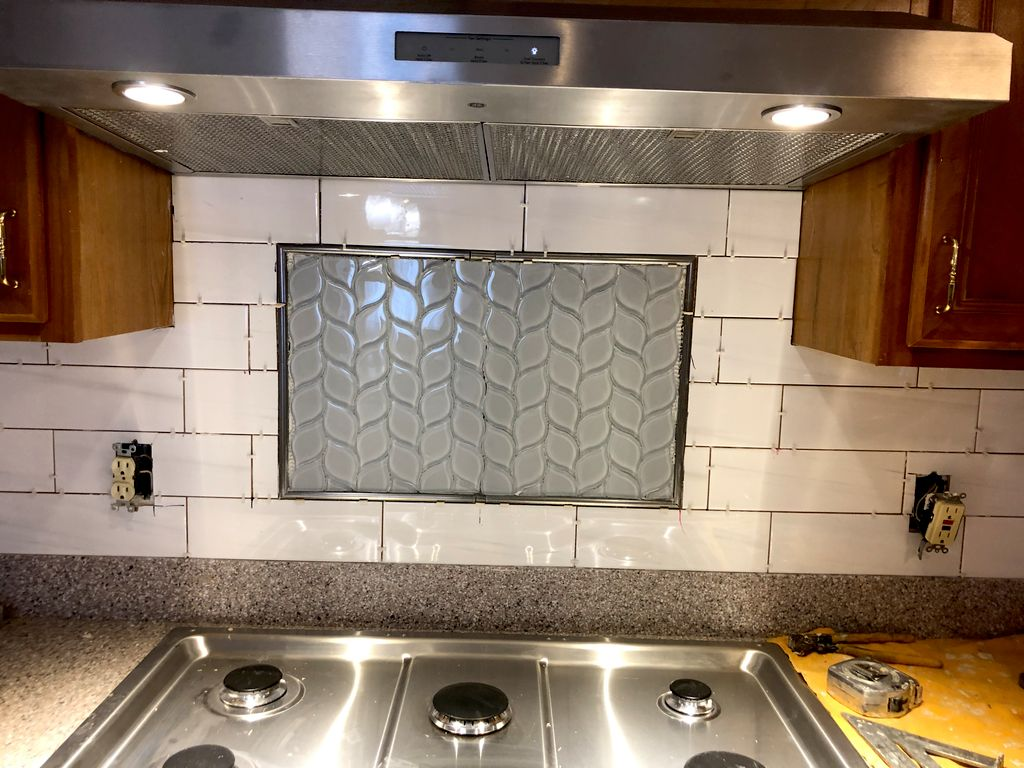 Remove an replace backsplash