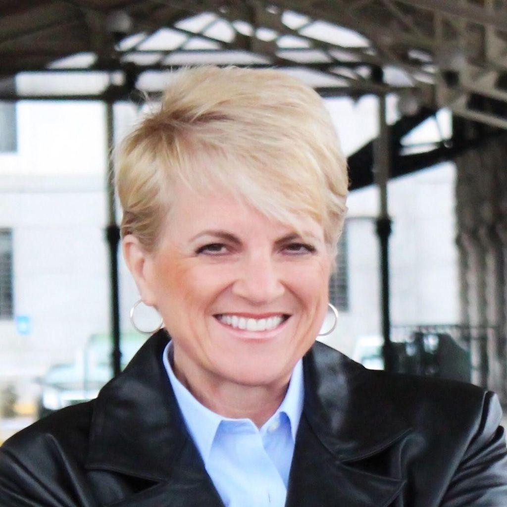 Rev. Cynthia Andrews-Looper, Wedding Officiant