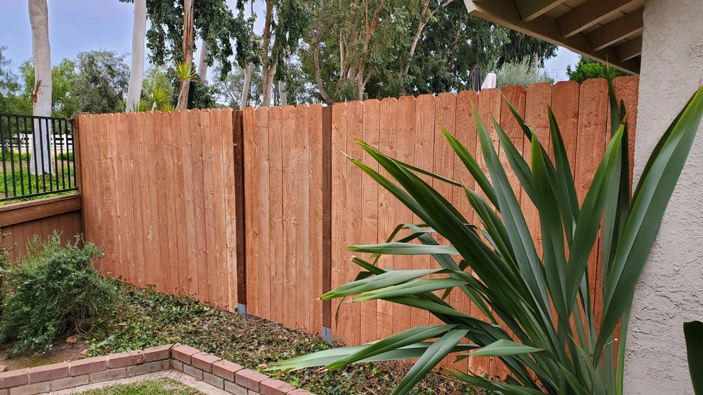 Fence install with gate