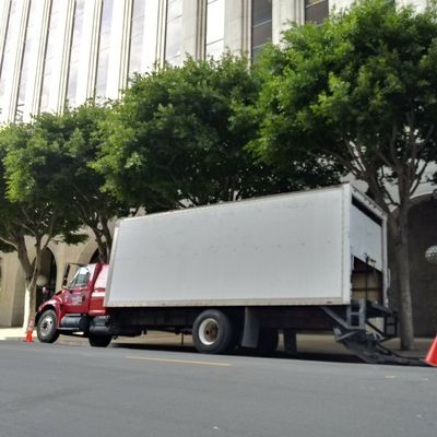 Avatar for EZ Moving in LA Beverly Hills, CA Thumbtack