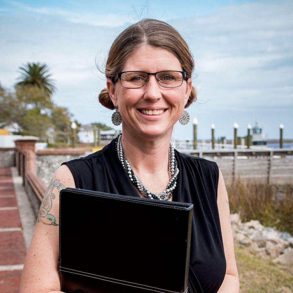 Lynsey Thomas, Wedding Officiant