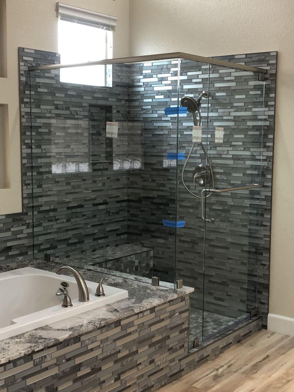 Frameless heavy glass shower