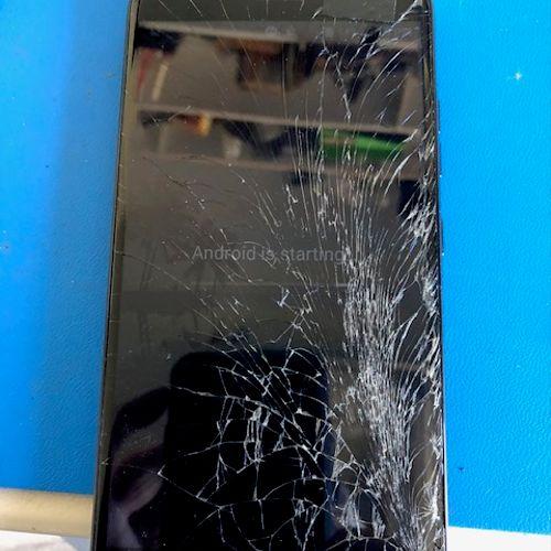 Cracked ZTE Model N9560