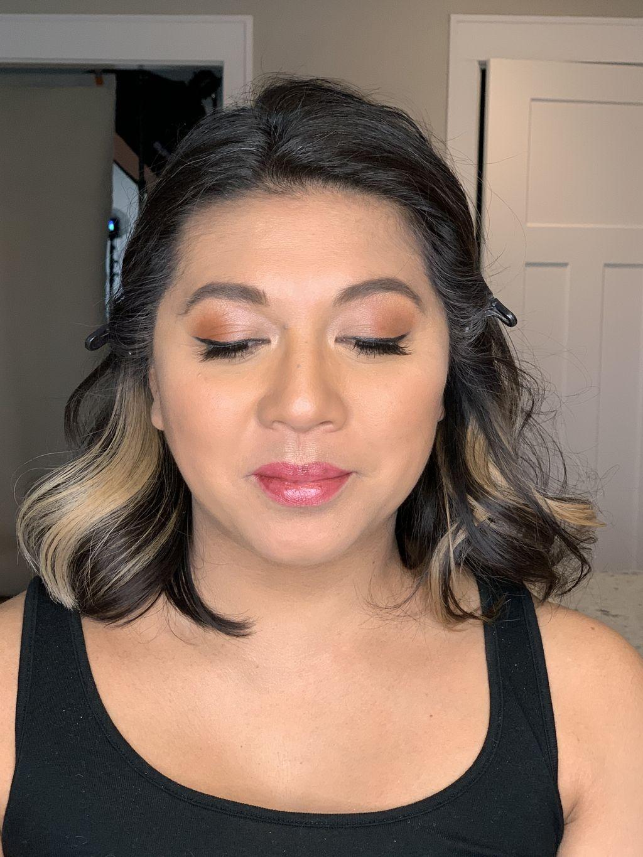 Maternity photo shoot makeup