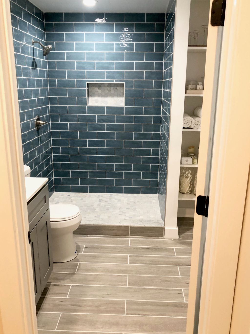 Tropical color bathroom from scratch